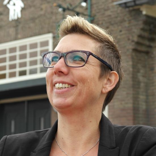 Jacqueline Van De Pol
